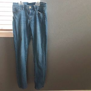 BDG light wash twig mid rise jeans!